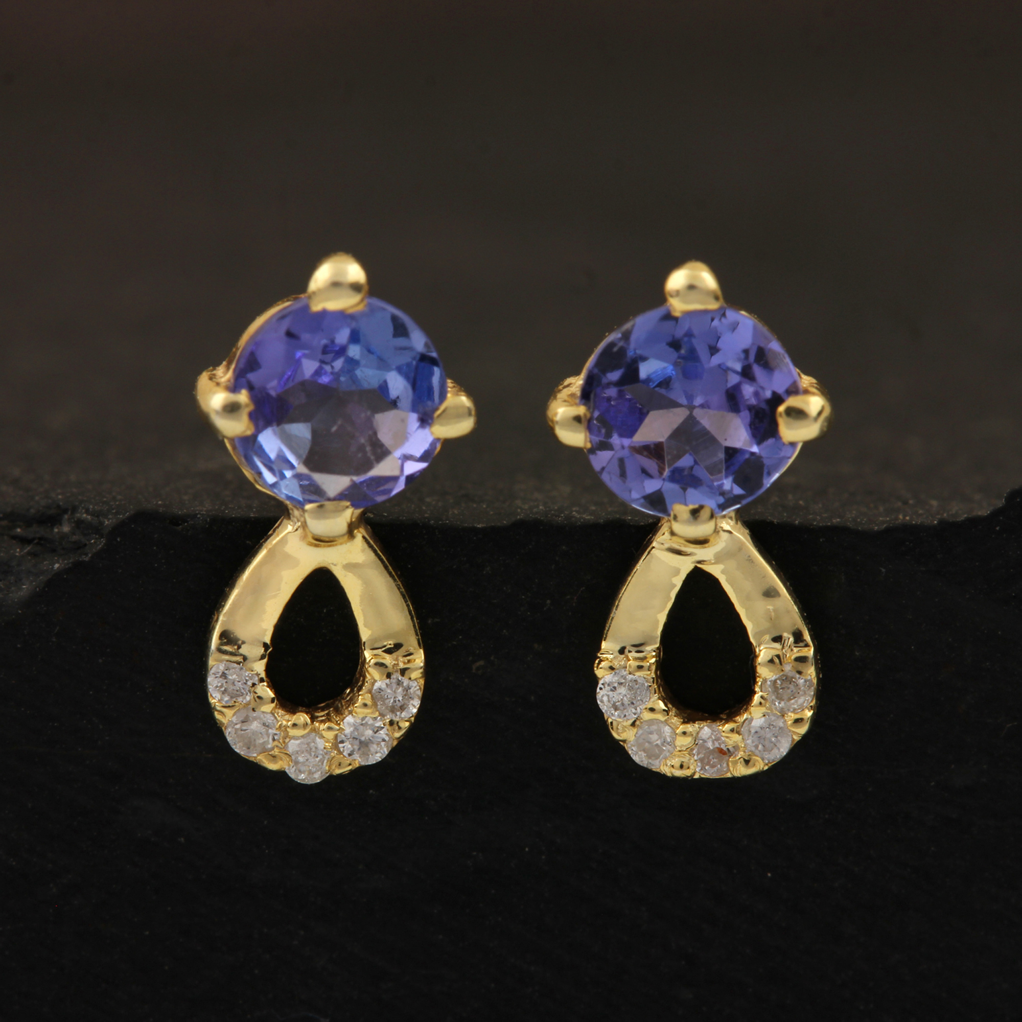 Solid 14k Gold Stud Earrings Adorned With Diamond &Tanzanite