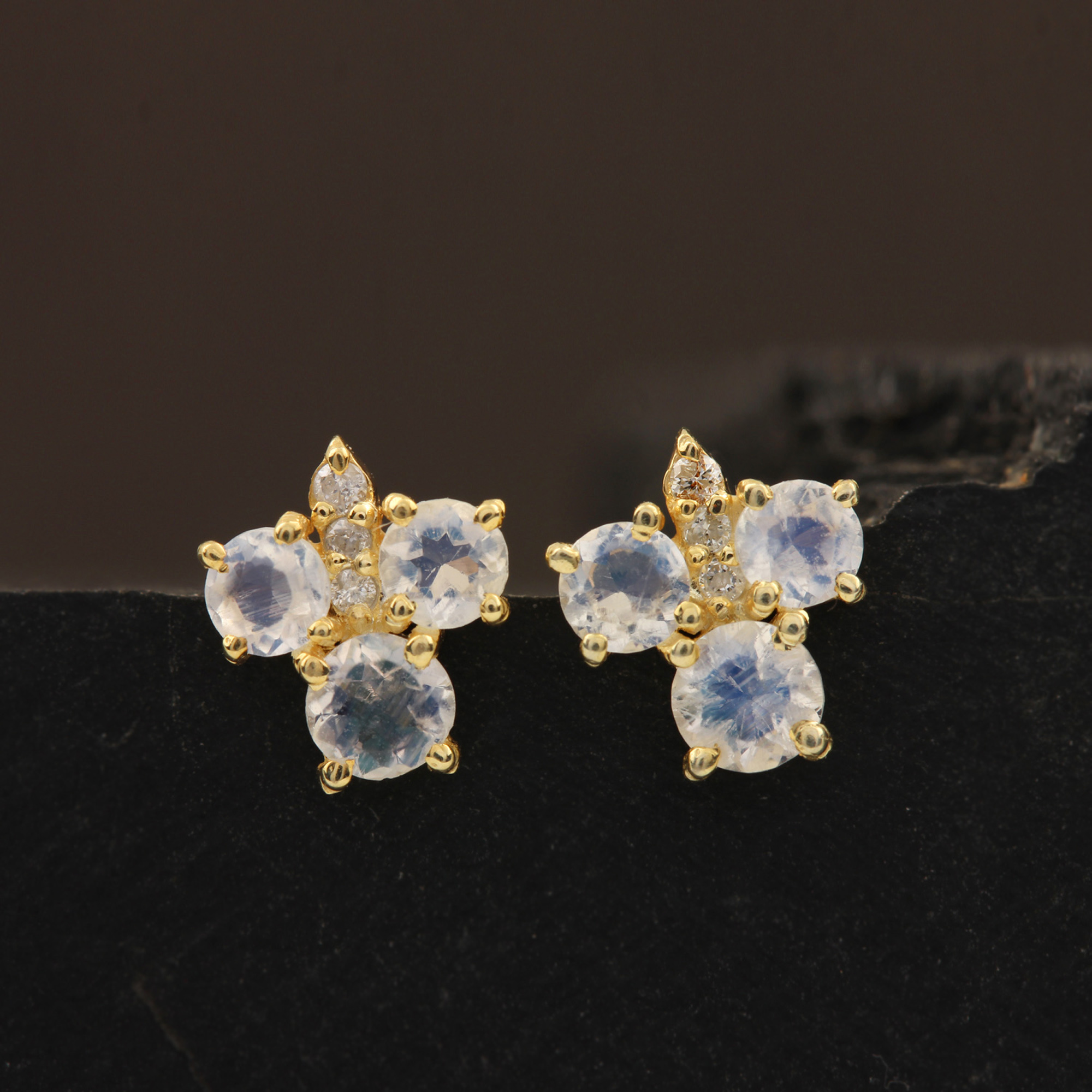 14k Solid Gold Stud Earrings Adorned With Diamond & 0.47ct Moonstone