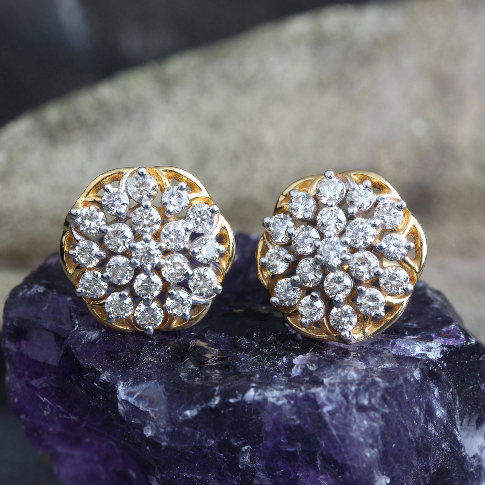 Natural Small Diamonds In 14k Stud Gold Earrings