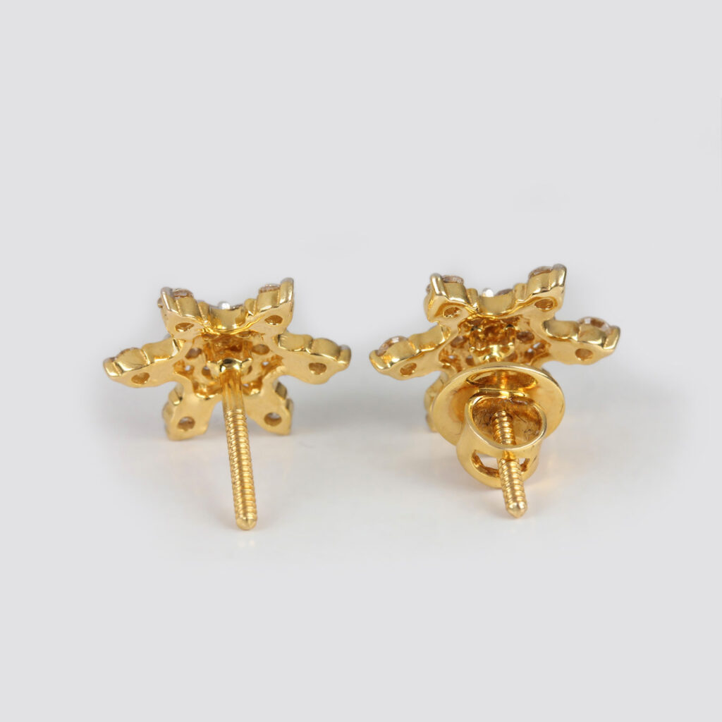 14k Yellow gold Diamonds Earrings