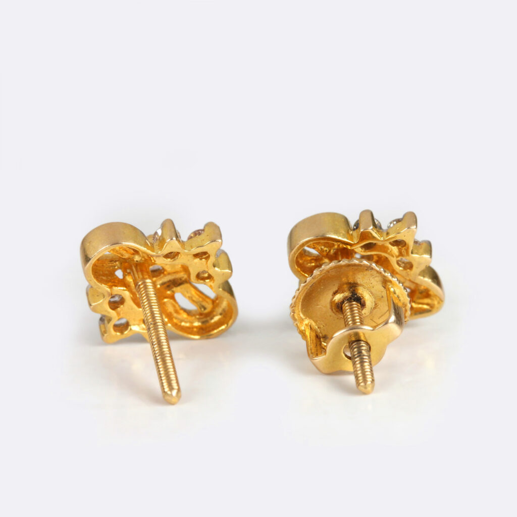 Solid Gold Earring In small Diamonds