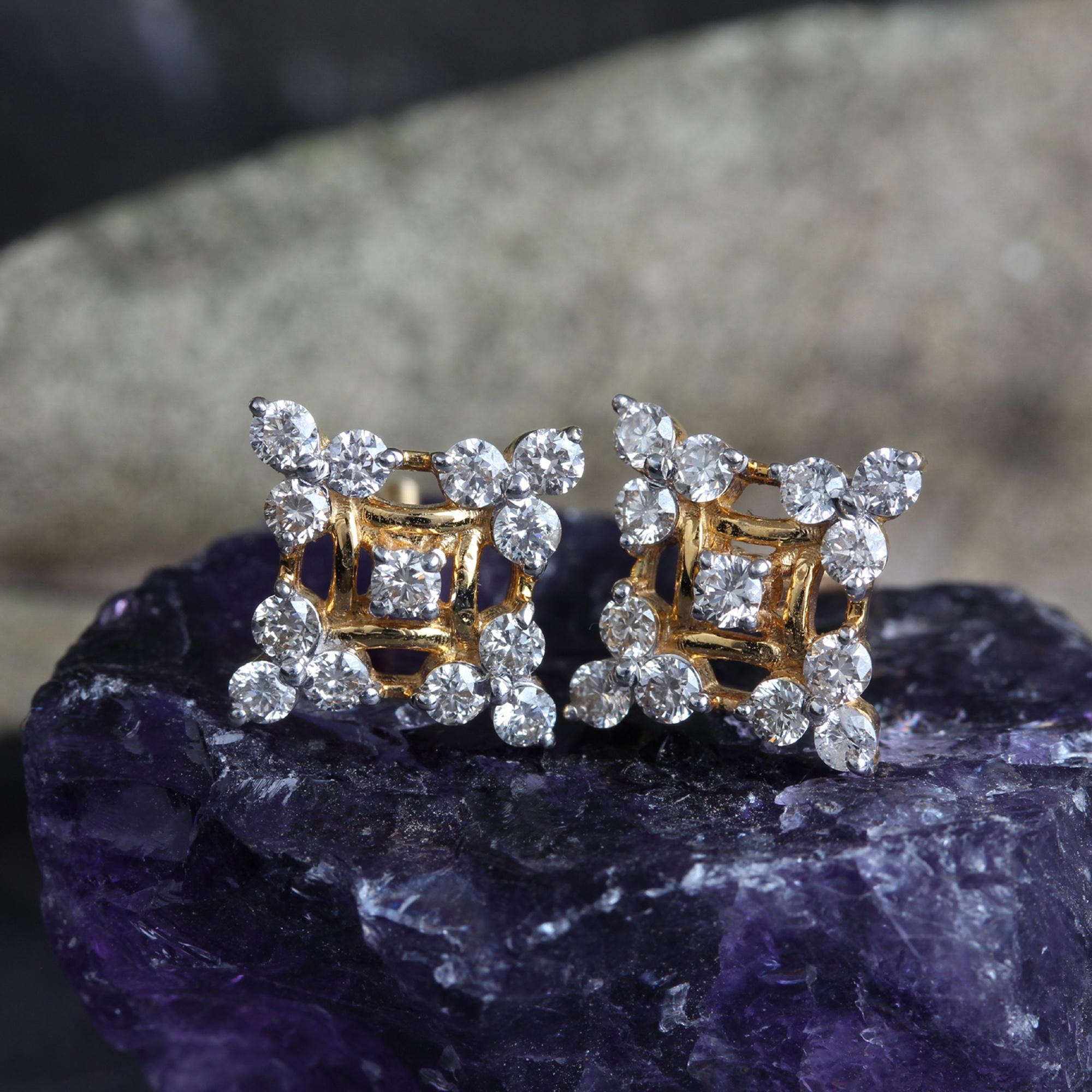 14k Gold Small Diamonds Earrings