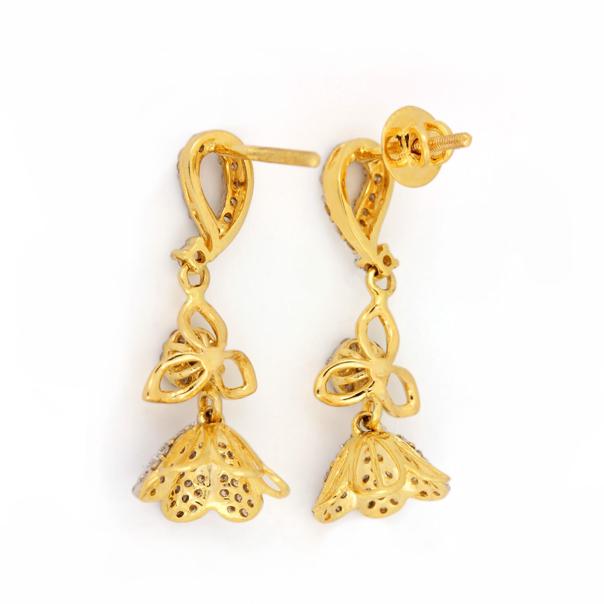 Diamond Attractive Earrings In Gold