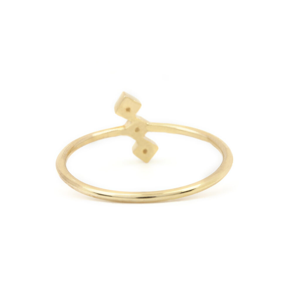 14k Solid Gold Ring Adorned With Diamond