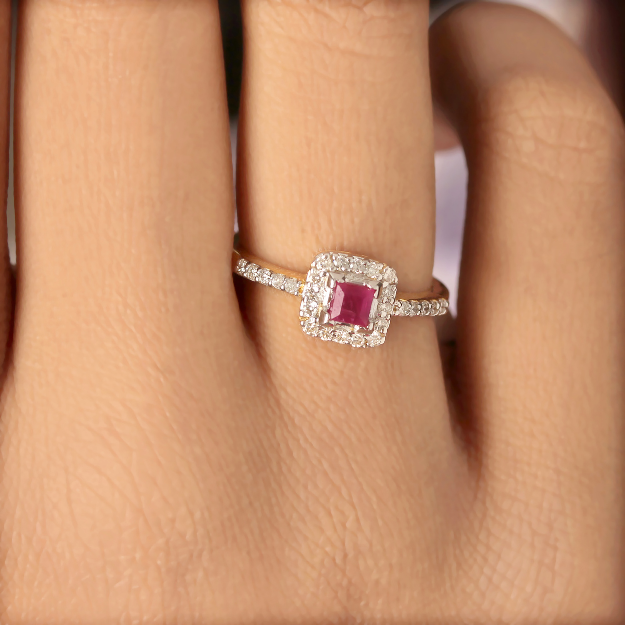 Solid Gold Ring With Diamond And Ruby