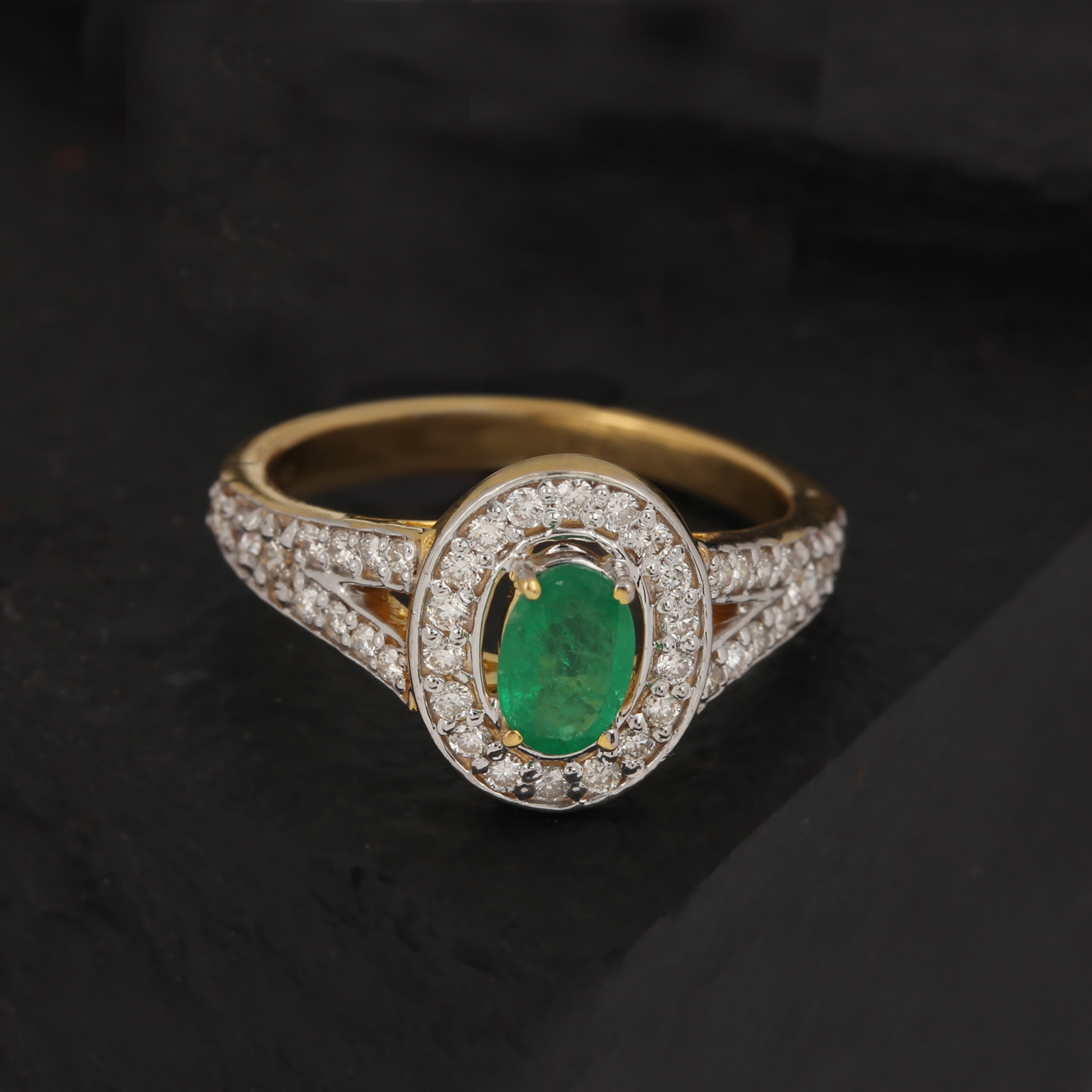 Emerold Yellow Gold With Diamond Ring